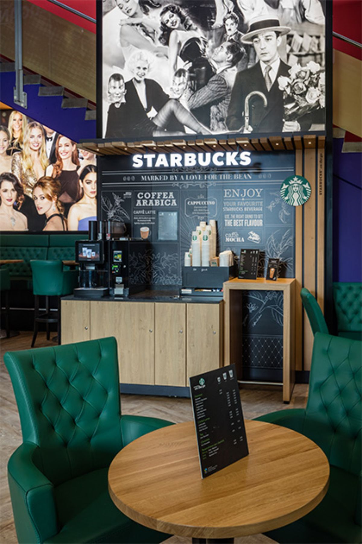 Starbucks on the go - Hollywood Megaplex St.Pölten